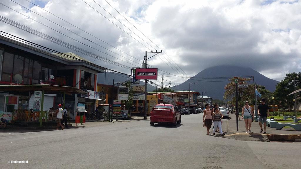 Arenalin kylässä Costa Ricassa