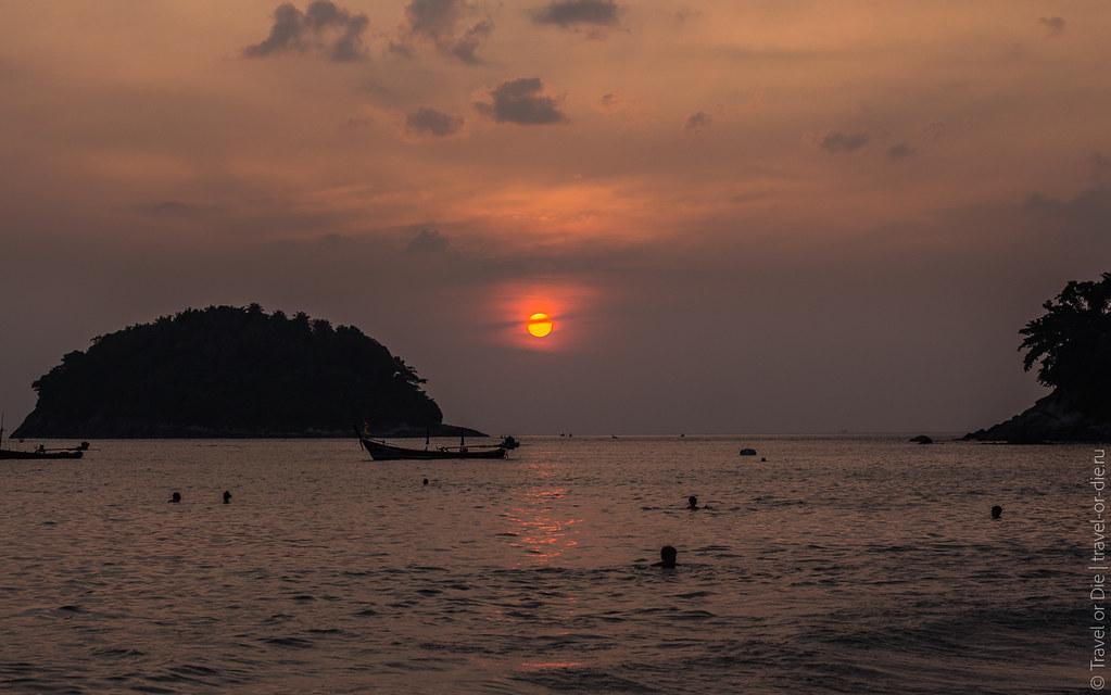 december.2017-Kata-Beach-Phuket-canon-5981
