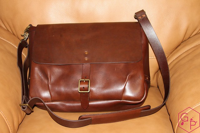 Review @SatchelandPage Brown Leather Slim Mailbag 7