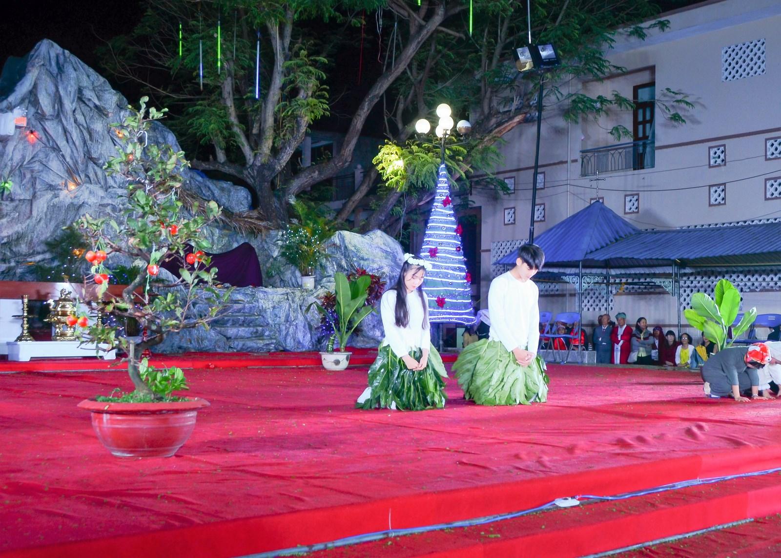 Canh thức và thánh lễ Giáng sinh 2017 tại Tuy hòa