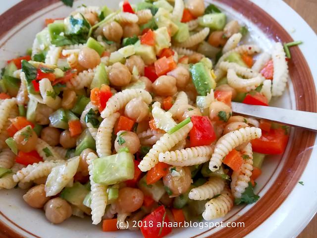 Pasta, garbanzo beans salad