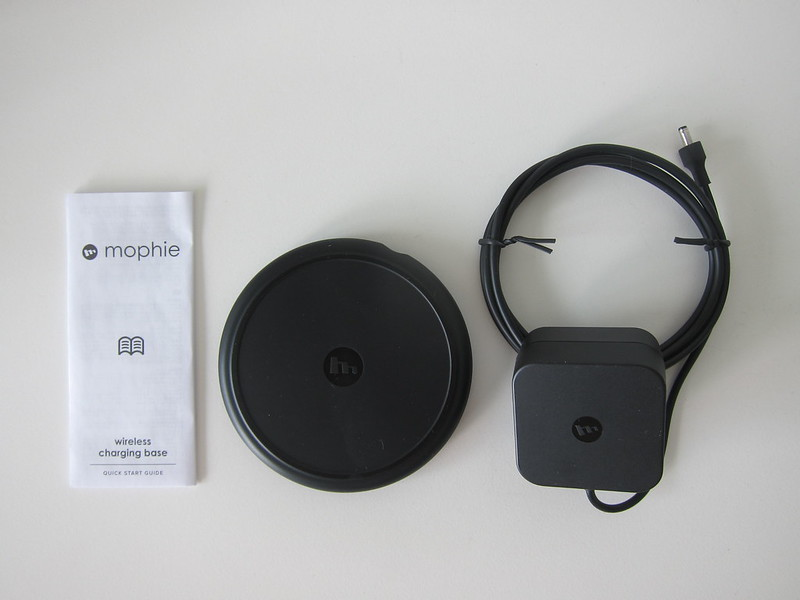 Mophie Wireless Charging Base - Box Contents