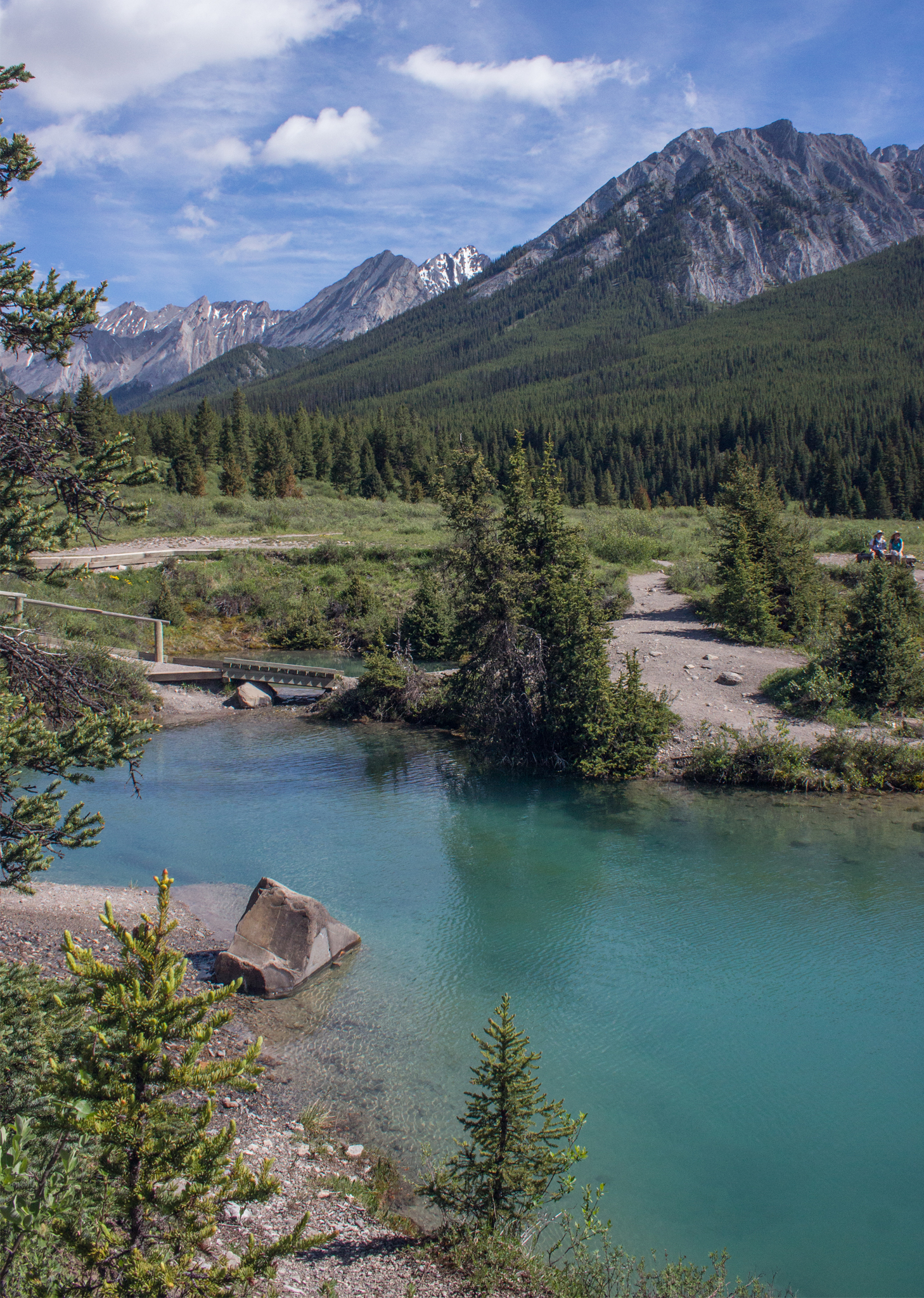 A quick guide to hiking Johnston Canyon & the Inkpots (you really should go to the Inkpots)