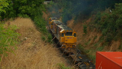 925 goes over the hump