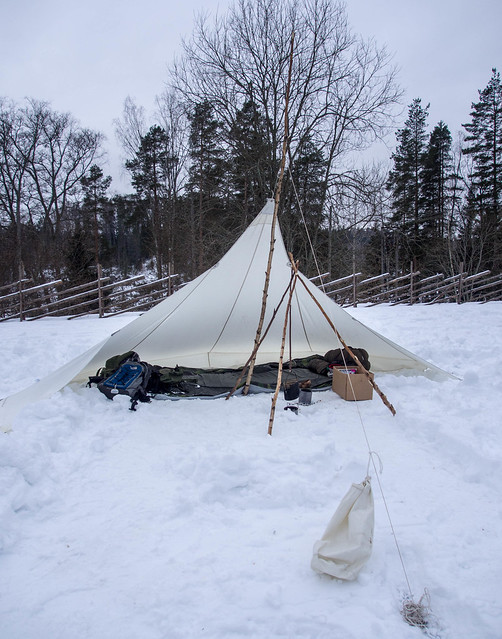 Winter camping in Nuuksio National Park; options for accommodation