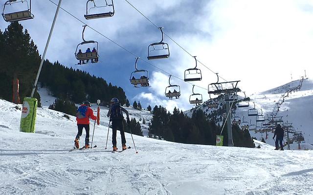 Esquí de montaña en pistas