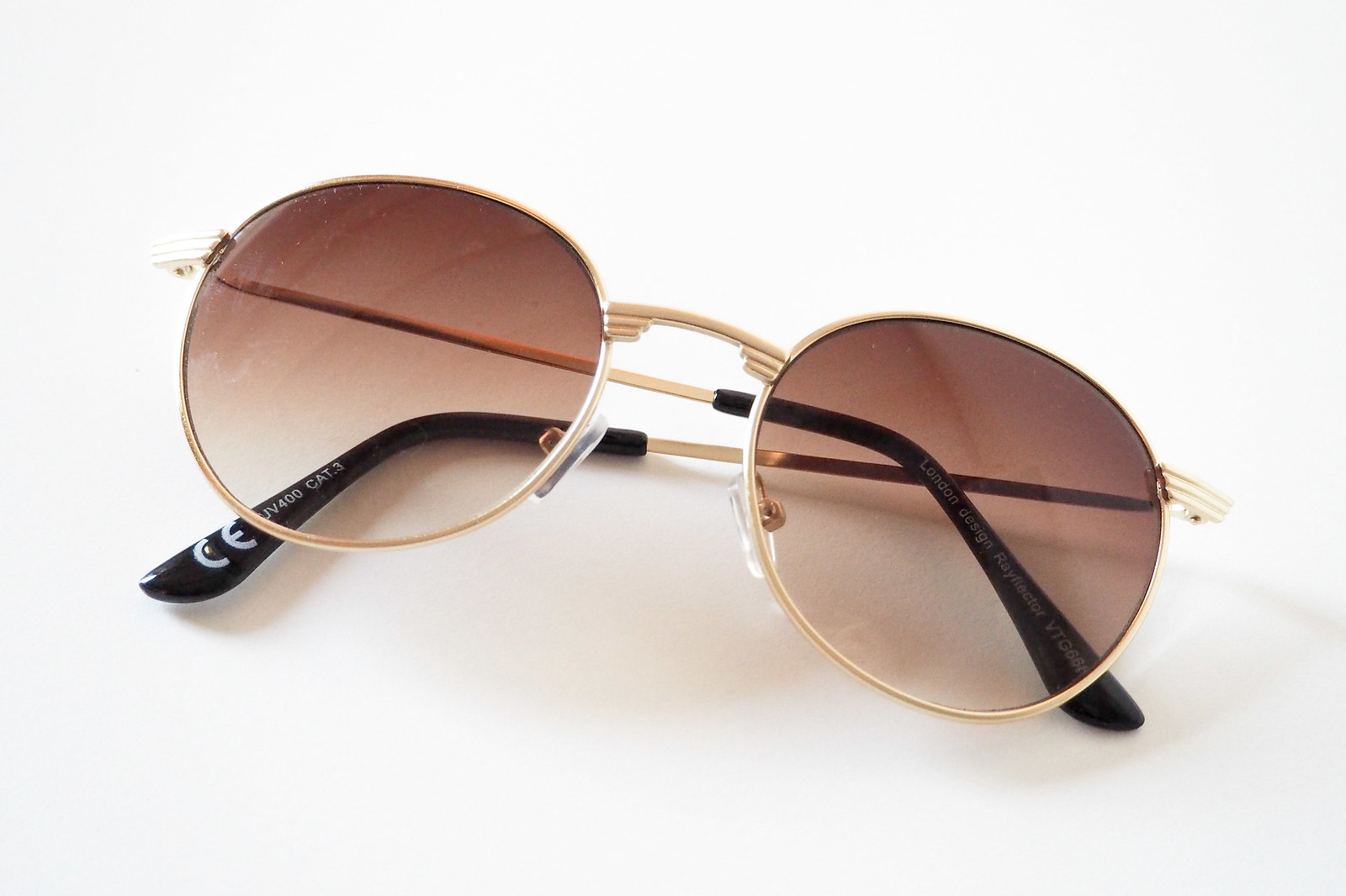 the brick lane vintage market sunglasses