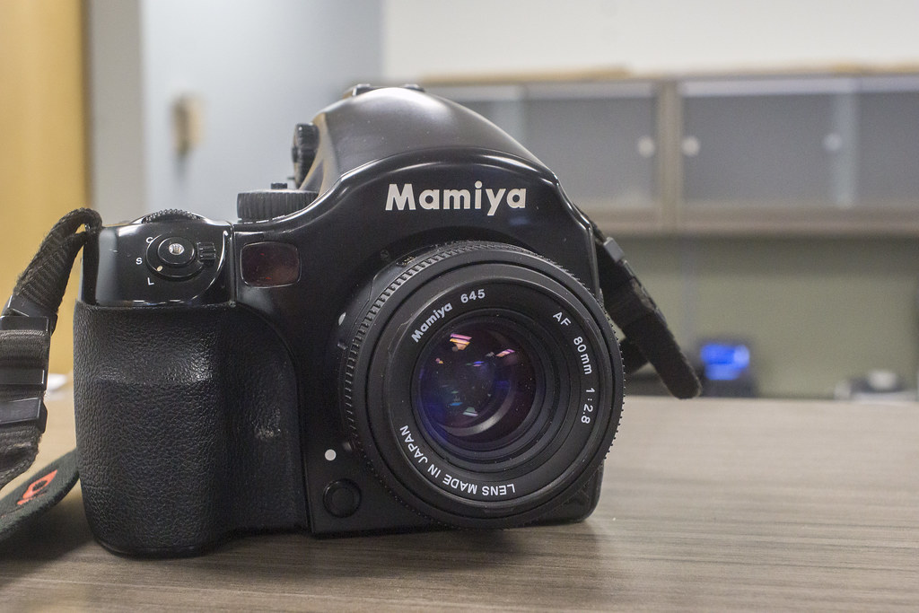 CCR Review 82 - Mamiya 645 AF-D III