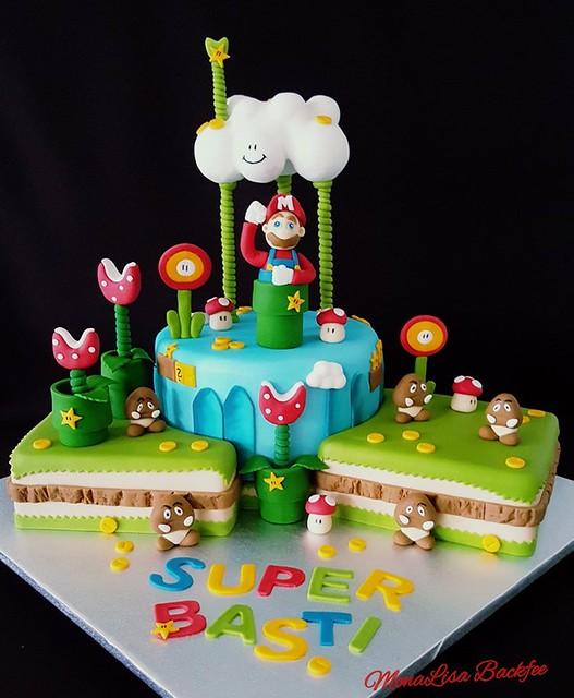 Super Mario Cake by Simone Amroussi