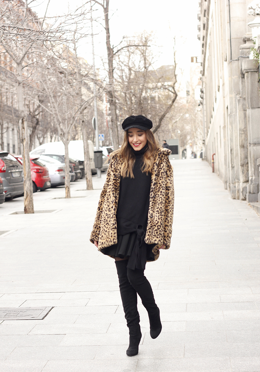 leopard coat black outfit over the knee boats givenchy black cap winter outfit02