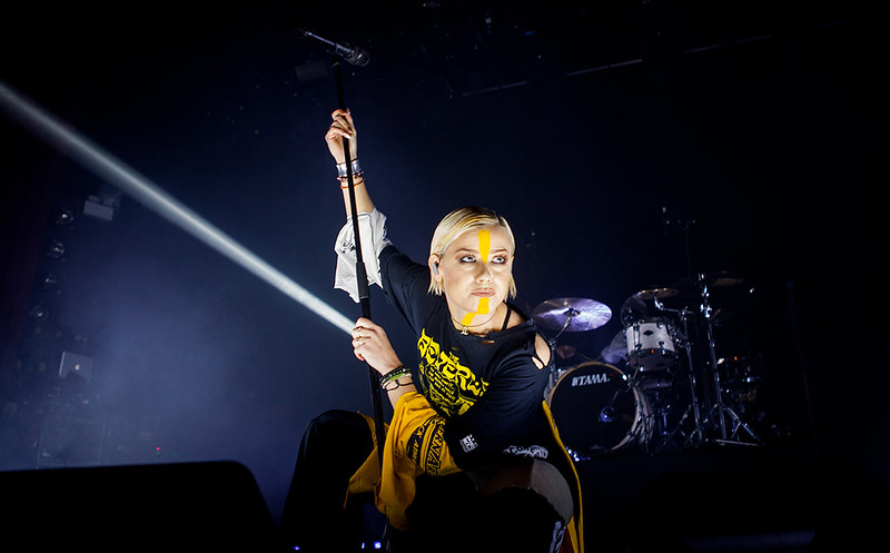 TONIGHT ALIVE-23