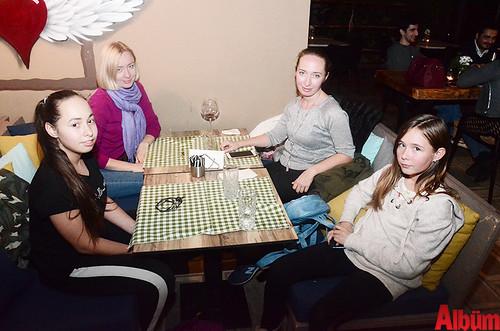 Melissa Çağ, Natalia İnan, Olga Çağ, Aleksandra Kalinina