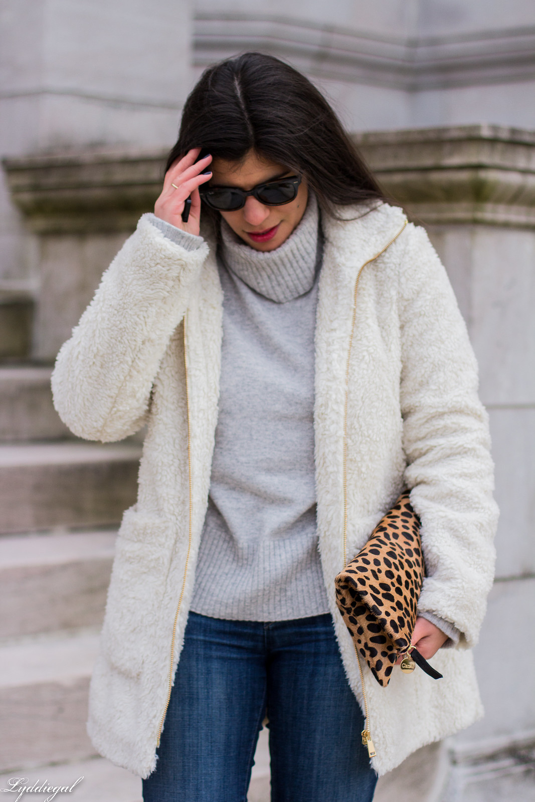 teddy coat, grey turtleneck sweater, black boots, leopard clutch-22.jpg