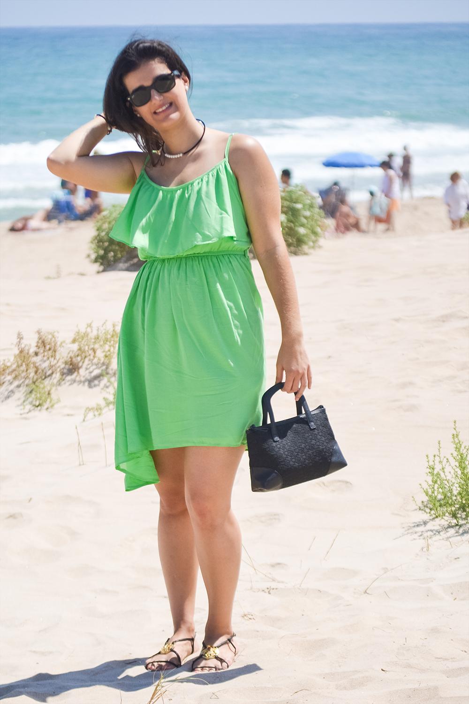 somethingfashion blogger beach ootd style outfit_green dress flowy_valencia spain influencer blogger moda
