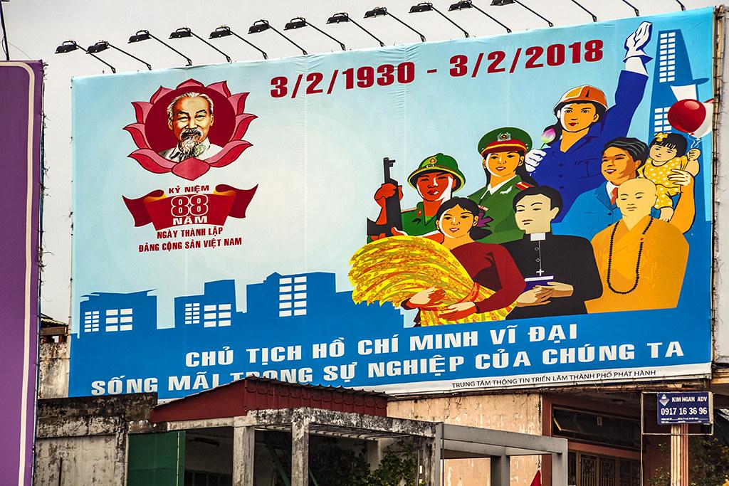 CHU TICH HO CHI MINH VI DAI--Saigon