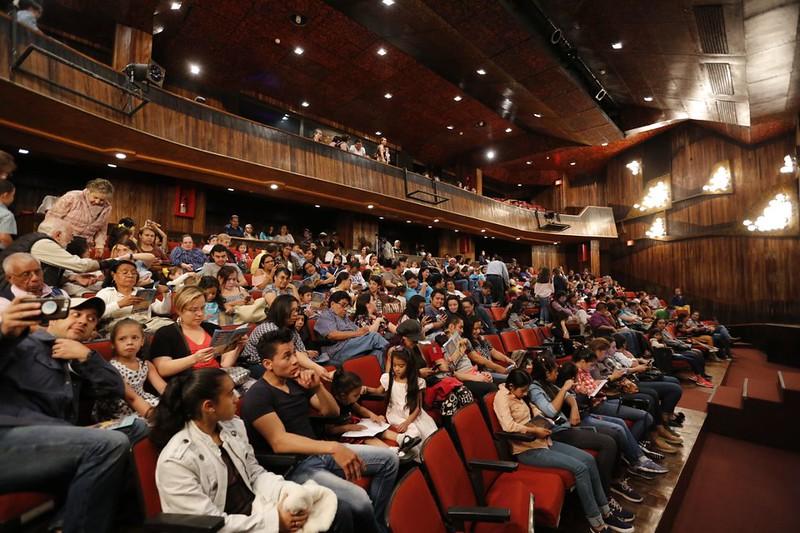 """El Ballet Nacional de Guatemala complace a familias guatemaltecas con """"La Bella y la Bestia"""""""