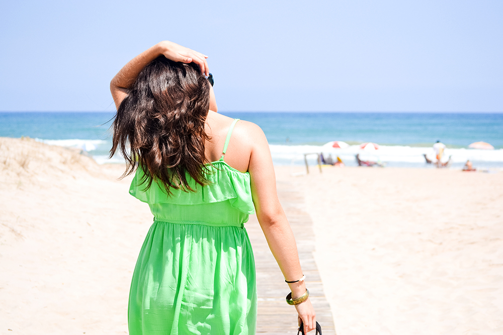 somethingfashion blogger beach ootd style outfit_green dress flowy_valencia spain influencer blogger moda 3