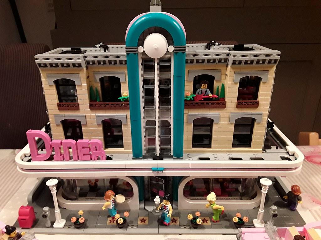 Lego 10260 Downtown Diner XL MOD - LEGO Town - Eurobricks Forums