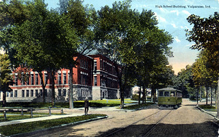 ValparaisoIndiana-CentralSchoolBuilding01-Interurban-1914-SS
