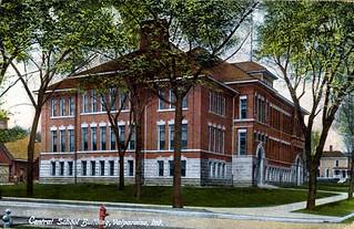 ValparaisoIndiana-CentralSchoolBuilding-1913-SS