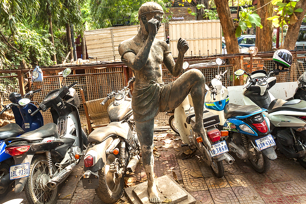 Statue of kick boxer--Phnom Penh