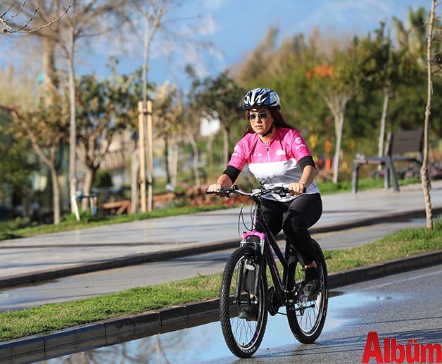 Antalya Büyükşehir Belediyesi Başkanı Menderes Türel farkındalık için bisiklet sürdü -4