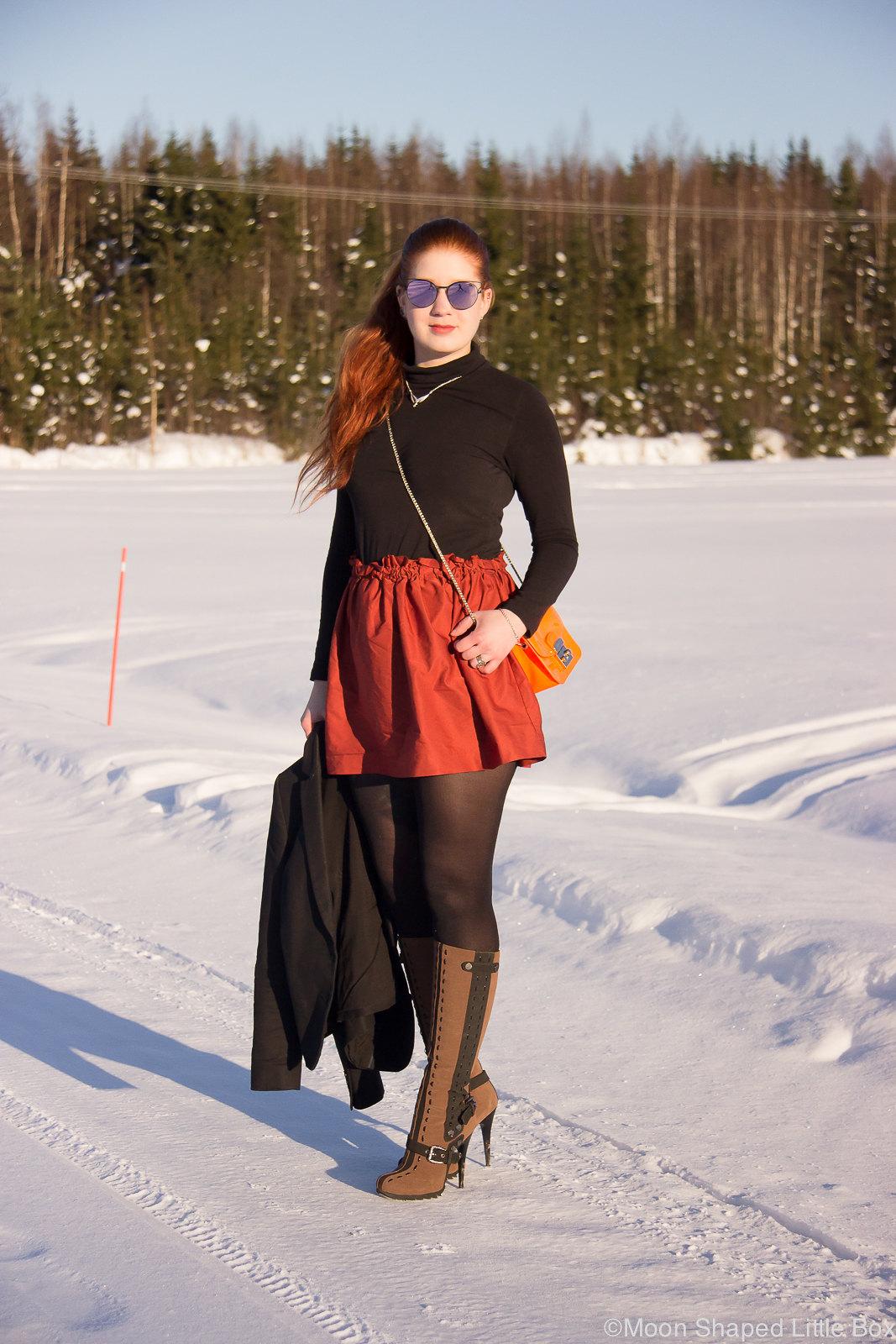 Finnish fashionblogger, päivän asu, poolopaita ja minihame