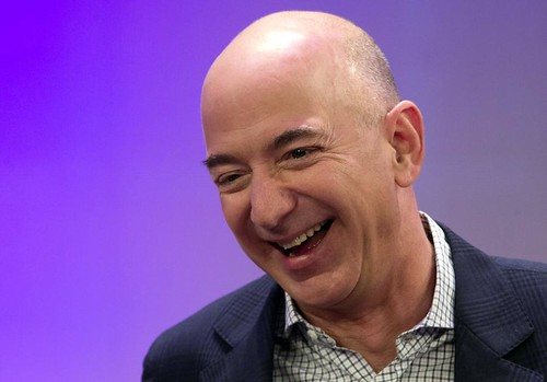 Jeff Bezos shoves Bill Gates, confirmed the richest person in history