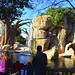 Visitantes observando a los elefantes en BIOPARC Valencia