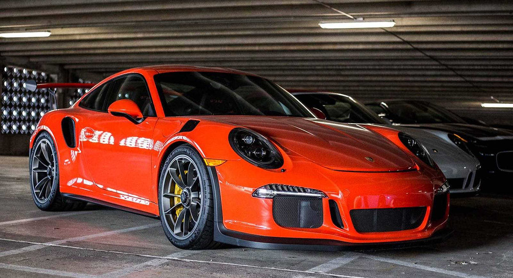 Porsche-911-GT3-RS-2