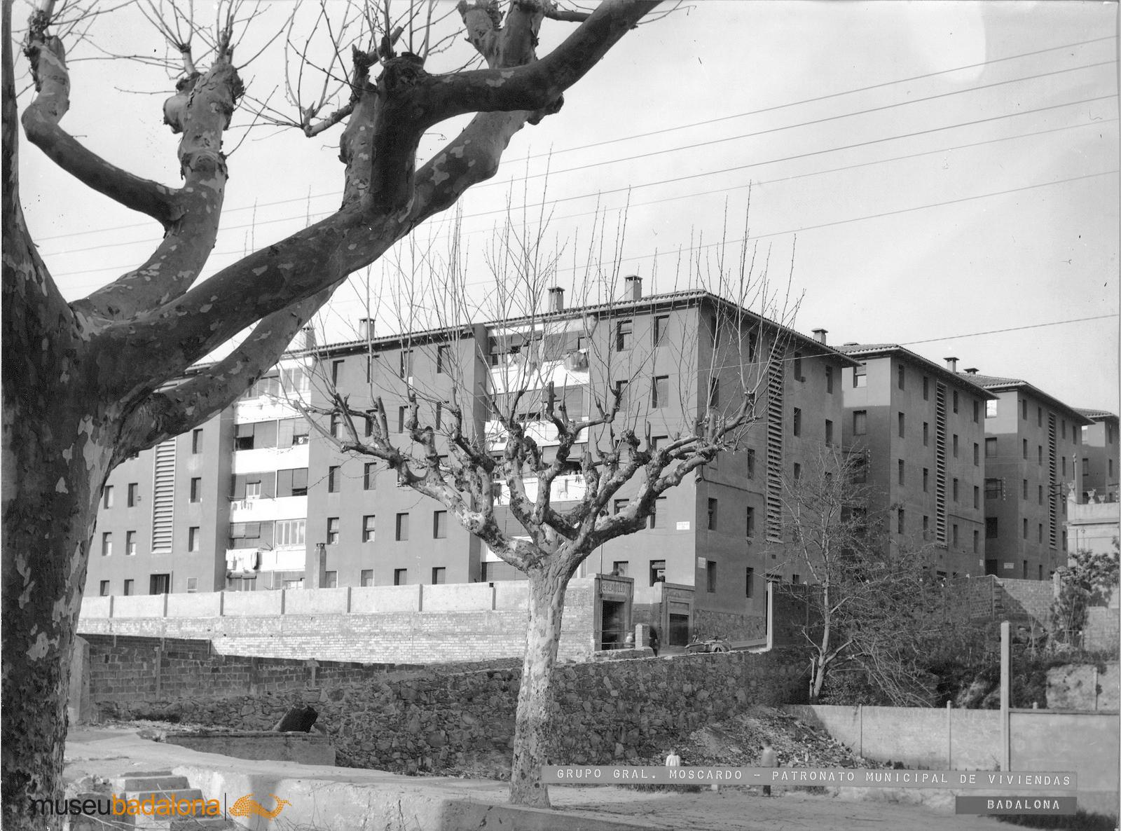 Edificis singulars de la ciutat fa uns cinquanta anys. Fotografies d'Antoni Capella i altres