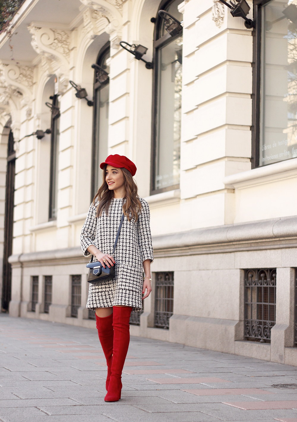 squares dress red over the knee boots givenchy bag red cap winter outfit look invierno01