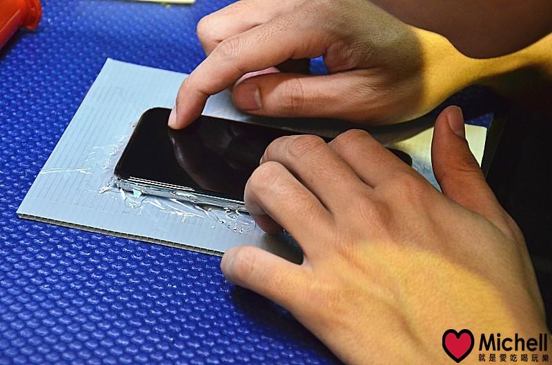 京鑽包膜:全透3D曲面滿板玻璃