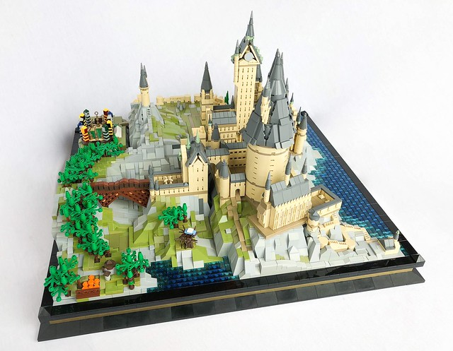 LEGO Hogwarts School of Witchcraft and Wizardry Poudlard version microscale