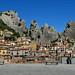 Dalla piazzetta di Castelmezzano