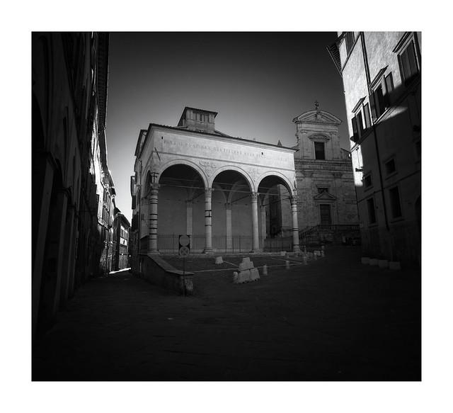 Loggia del Papa, Siena
