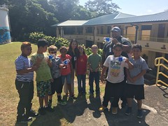 Hawaii Electric Light Hookena School Visit - January 10, 2018: Group photo with class
