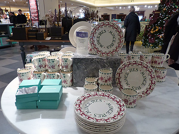 mince pies plates