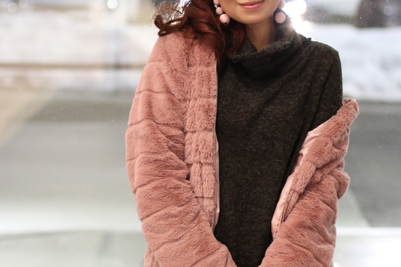 pinkblush-turtleneck-sweater-lv-bag-pink-faux-fur-jacket