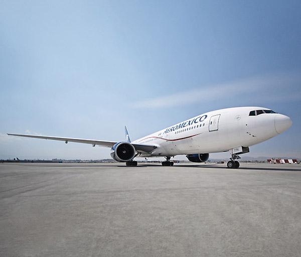 Aeromexico B777 en pista (Aeroméxico)