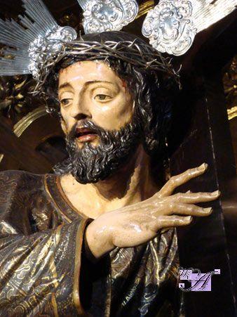 La Primitiva Hermandad de los Nazarenos de Carmona, Cofradía Real y Pontificia de Nuestro Padre Jesús Nazareno, Santa Cruz en Jerusalen y María Santísima de los Dolores. (El Silencio).