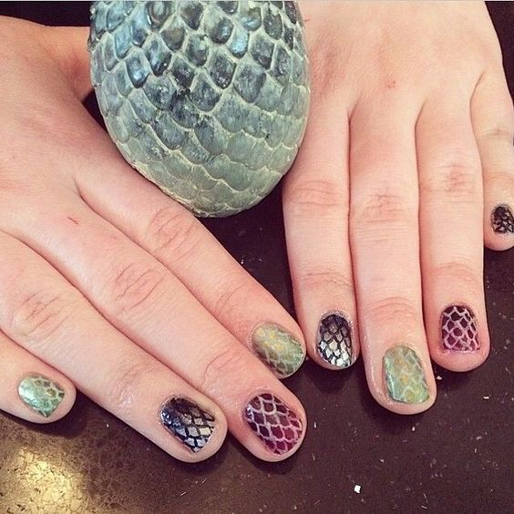20 Easy Game of Thrones Nail Art Designs 2018 - Nails C
