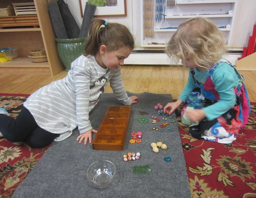 counting and number match tray