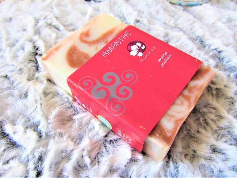 cosmetiques-bio-et-naturels-savon-vegan-thecityandbeauty.wordpress.com-blog-beaute-femme-IMG_9168 (3)