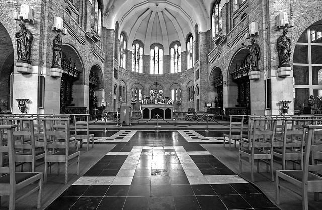 DSC_7541_ Eglise Saints-Pierre et Paul de Warneton
