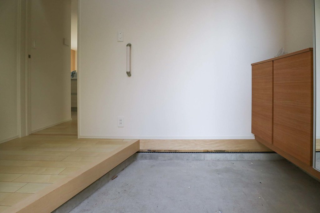 鎌倉の新築戸建/玄関フロア