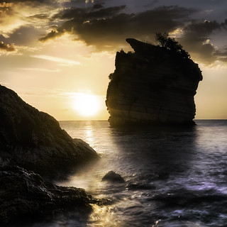 Bay of Faraglioni at dawn