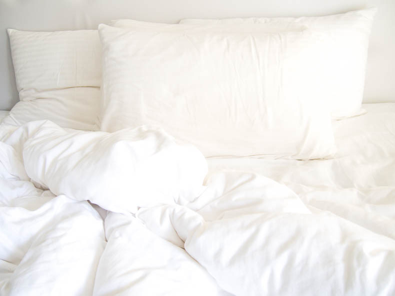 monday-motivation-white-bedsheets