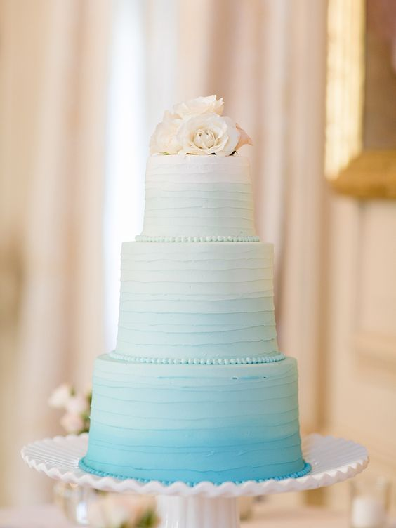 Wedding Cakes : Wedding cake idea; Featured Photographer: Jillian Mitchell Photography
