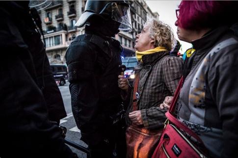 18b25 Foto Jordi Borrás Manifa indepe Protesta vista Rey Uti
